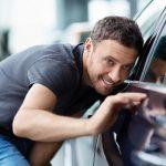 男子必見!センスが残念…「ダサい男性」が乗る車4パターン。